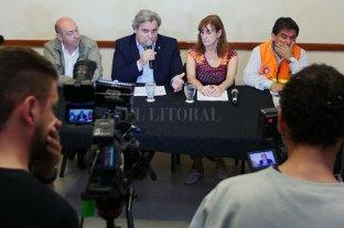 La provincia trabaja para atender las consecuencias del fenómeno meteorológico - Conferencia de prensa realizada en Casa de Gobierno. -