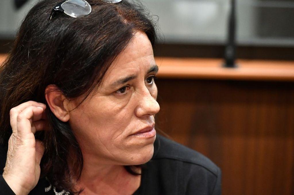 Francia: juzgan a una mujer que ocultó a su hija en un sótano y un maletero durante dos años