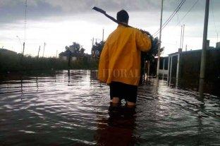 508 personas permanecen evacuadas en 11 localidades de Santa Fe - Coronda es una de las localidades más afectadas por las intensas lluvias -