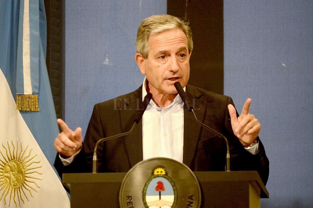 Jubilados y pensionados no tendrán el bono de fin de año por $ 5.000 - Andrés Ibarra fue el vocero sobre cómo se computará el bono de fin de año. -