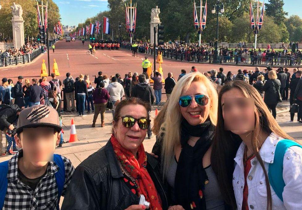 Murió de vacaciones en Italia, y ahora su cuerpo está varado en Ezeiza
