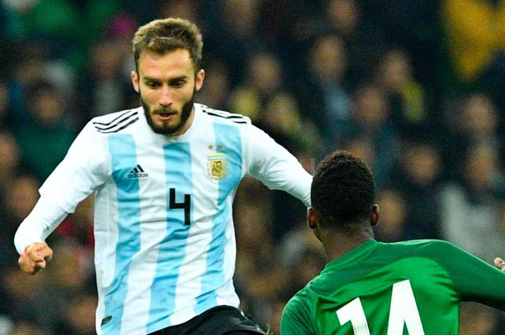 Pezzella se baja de la Selección para jugar con México