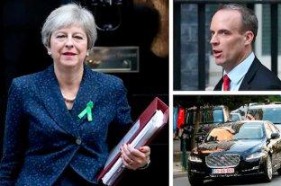 Crisis en Gran Bretaña por el Brexit: renunciaron varios funcionarios