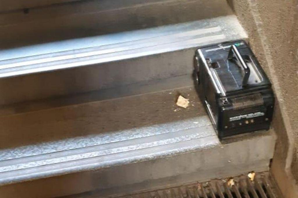 Alerta en el Obelisco por el hallazgo de un artefacto sospechoso: era una TV portátil