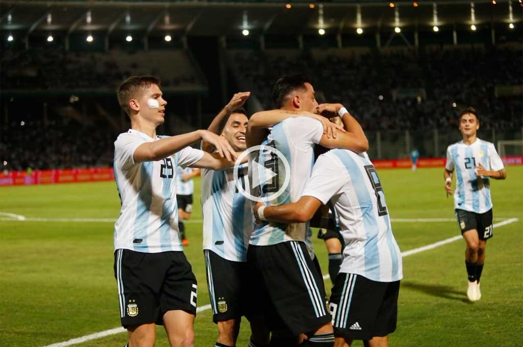 Argentina, sin brillar, le ganó a México