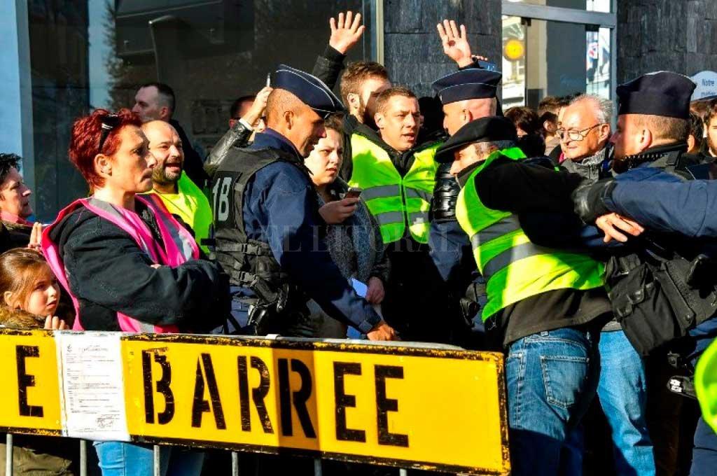Un muerto y 47 heridos tras manifestaciones en Francia -  -