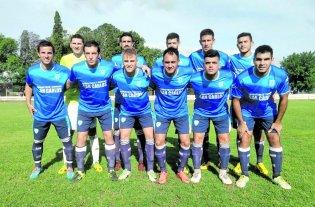Argentino quedó a un paso del título  - Ganó y festejó. Argentino de San Carlos venció a Gimnasia y llega mejor posicionado a la final del campeonato. -