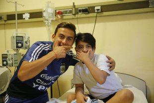 Los jugadores de Argentina visitaron el Hospital de Niños de Córdoba -  -