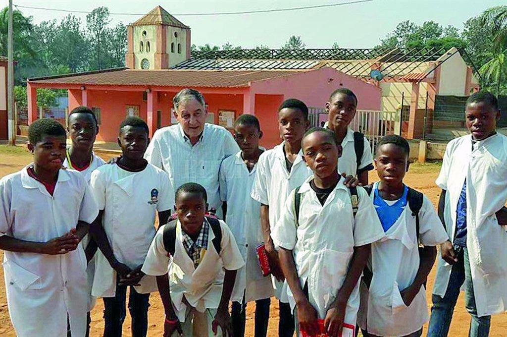 Un entrerriano que siembra esperanzas en África