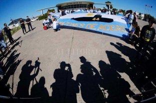 """Los familiares insisten: """"La gran mayoría quiere que el submarino se reflote"""" -  -"""
