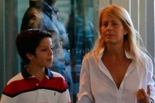 El hijo de Menem cumple años y se recupera en una clínica chilena -  -