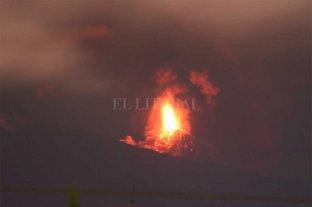 Evacúan más de 3 mil personas en Guatemala por erupción del Volcán de Fuego