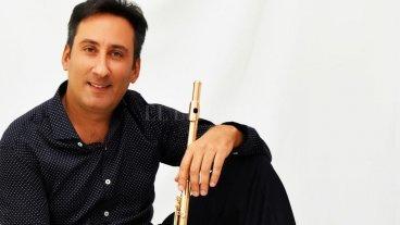 """""""La flauta es un instrumento de libertad"""" - El flautista Cristian Garreffa valora haber contado con buenos profesores a lo largo de su formación, pero sobre todo destaca que los encontró en el momento justo. """"No es poca cosa"""", destacó. -"""