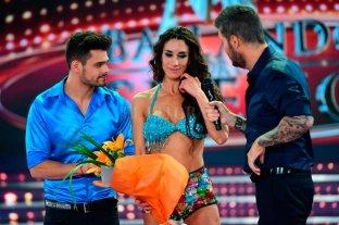 Flor Marcasoli y Lucas Velazco afuera del Bailando