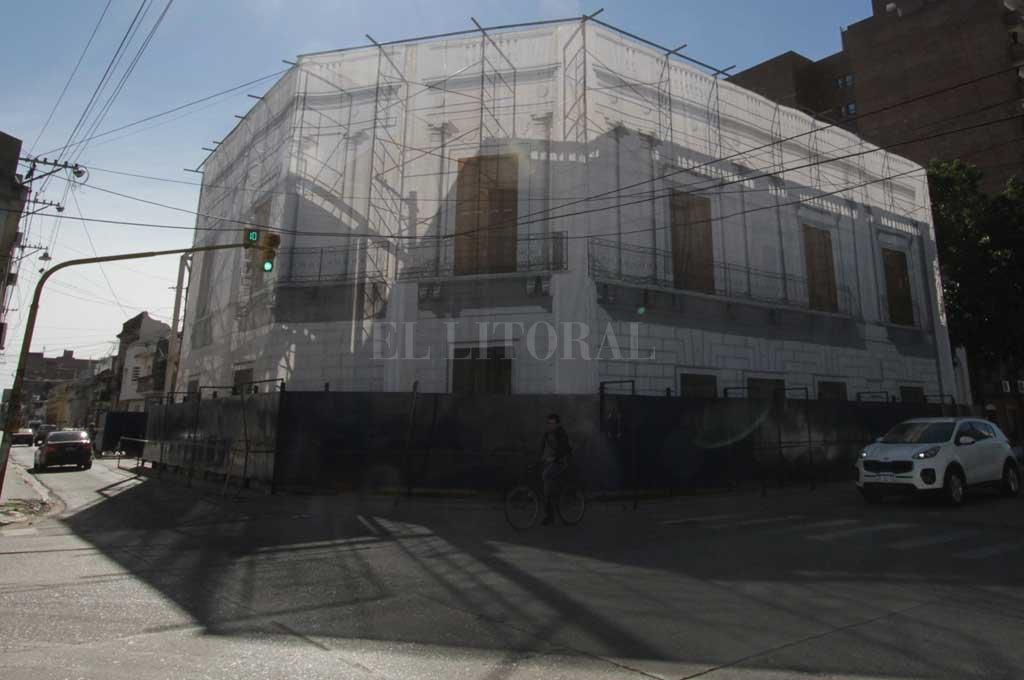 Tres ofertas para reconstruir la histórica Casa del Brigadier -  -
