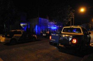 Motochorros asaltaron a una mujer en barrio Fomento 9 de Julio