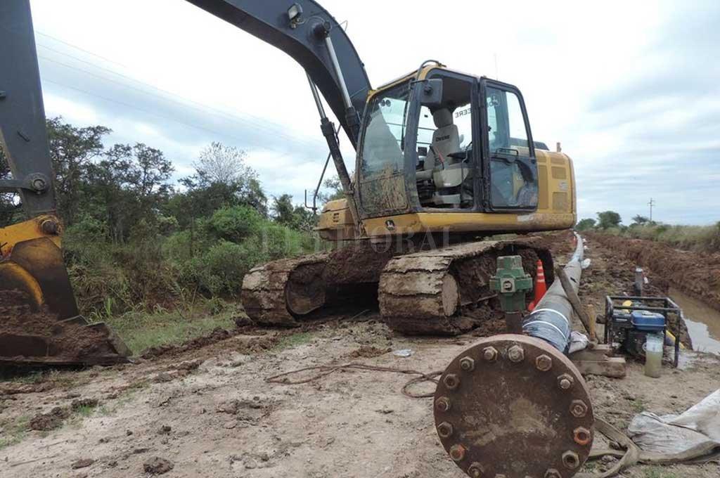 AVANCES. Funcionarios de Enerfe y del Ejecutivo local trabajan en los detalles finales del proyecto.  <strong>Foto:</strong> Archivo El Litoral