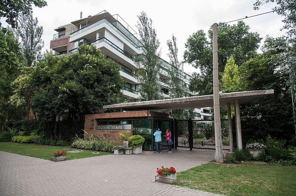 El exclusivo condominio donde un jefe policial tiene una propiedad que se cree pertenecía a un narco. Crédito: Marcelo Manera