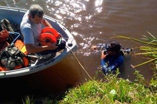 Buscan a un niño que cayó al agua en Arroyo Leyes