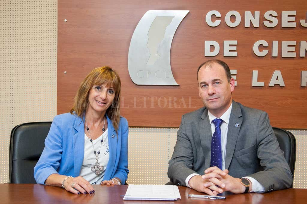 Beatriz Cobelli y Julio César Yódice, explicaron aspectos de la normativa vigente. <strong>Foto:</strong> El Litoral