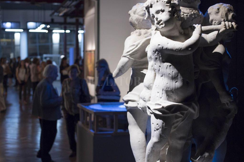 """En la sala del fondo del Sor Josefa Díaz y Clucellas se exhibe el proceso de restauración de la escultura """"La fuente de los Niños Cazadores"""". <strong>Foto:</strong> Gentileza Municipalidad de Santa Fe"""