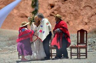 El gobernador de Jujuy se casó en una ceremonia indígena