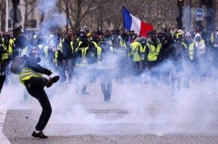 """París: Cerca de 1000 detenidos en la protesta de los """"chalecos amarillos"""""""