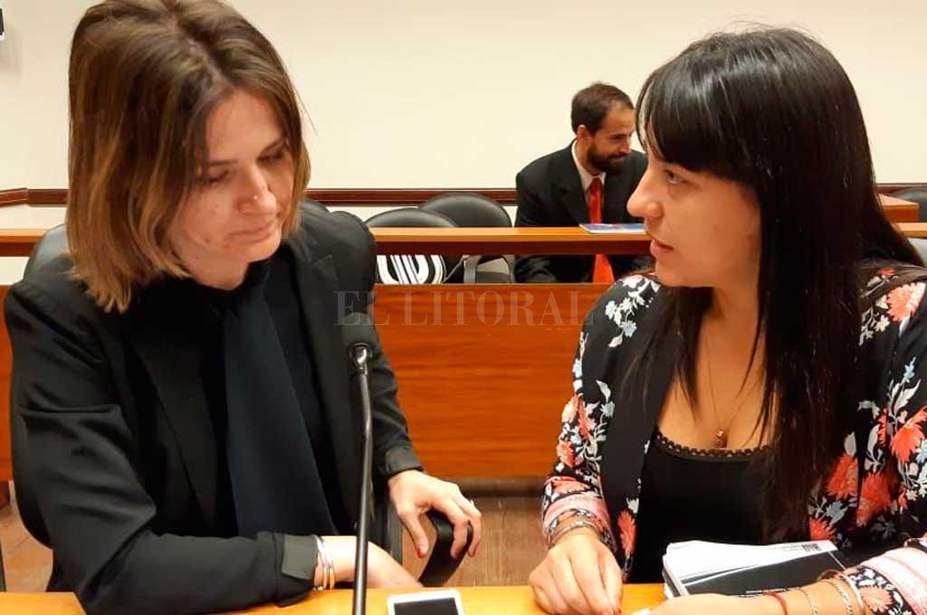 Las fiscales Yanina Tolosa y Alejandra Del Río Ayala integran la Unidad Especial de Violencia de Género, Familiar y Sexual (Gefas). <strong>Foto:</strong> Prensa MPA