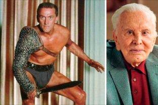 Kirk Douglas cumple 102 años -