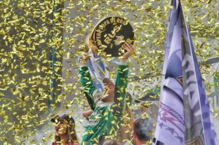 Canapino se consagró bicampeón del Turismo Carretera -  -