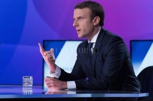 Macron anunció un aumento del salario mínimo para frenar las protestas -  -
