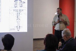 Adriana Crolla y Silvia Clement en el MMAV - Días atrás, el arquitecto Luis Müller expuso sobre art decó en el marco de la muestra; ahora será el turno de las profesoras de Literatura Crolla y Clement. -