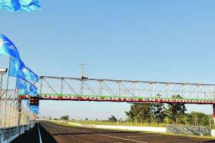 """SuperTC2000: Paraná podría ser sede en la temporada 2019  - """"Ciudad de Paraná"""". La pista entrerriana podría albergar una de las fechas del Súper TC2000 el próximo año.  -"""