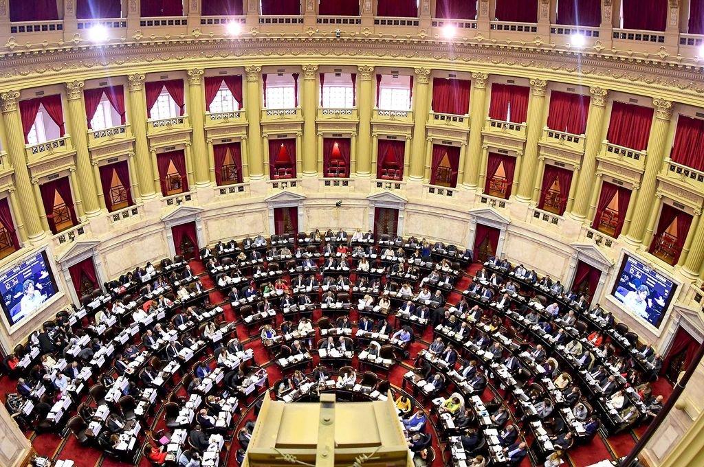 El gobierno prorroga las extraordinarias para tratar la ley anti barrabravas