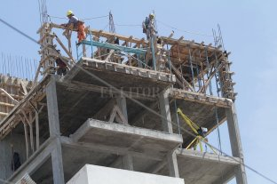 Salarios: gobierno buscará acotar aumentos al 23 %  -