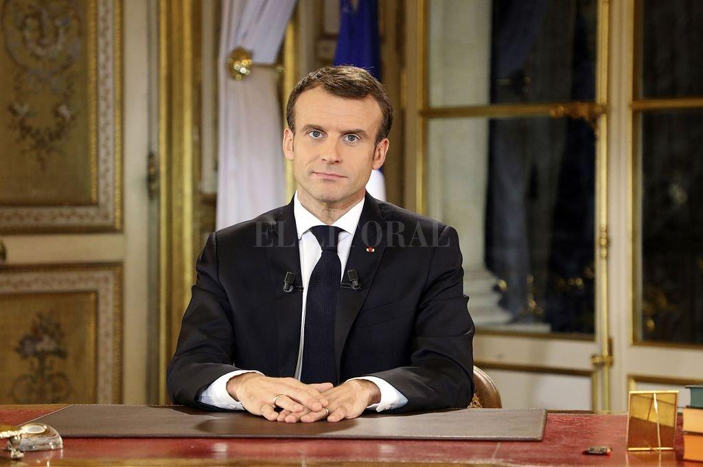 Francia calcula en 10.000 millones de euros el costo de la marcha atrás de Macron