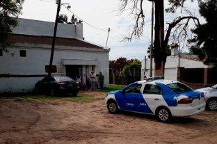 Vandalismo en el taller  municipal de cerámica - Personal policial inspeccionó el taller, en busca de algunas pistas. -