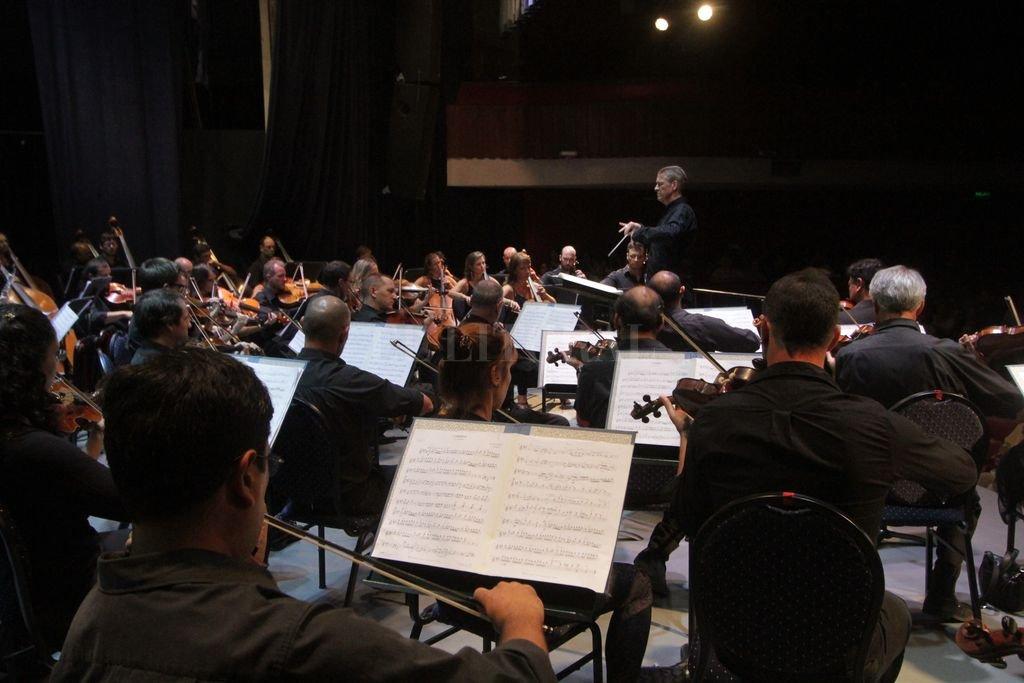 La Orquesta Sinfónica Provincial durante un concierto realizado este año bajo la conducción de Walter Hilgers. Pablo Aguirre