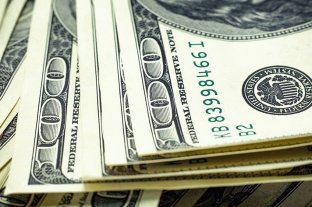 Leve baja del dólar que cerró a $ 39,20 -  -