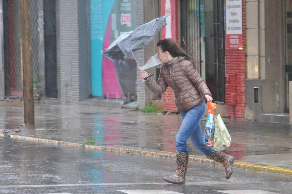 El SMN advierte: en 24 hs podría llover el promedio mensual para diciembre -  -