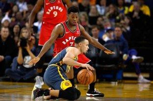 Los Raptors se quedaron con el duelo ante los Warriors