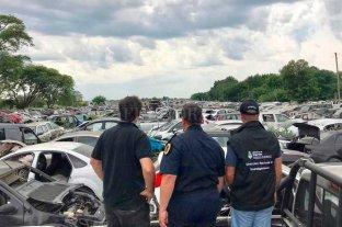 """Daniel Rocca: """"Vamos a acreditar la  compra de cada uno de los vehículos""""  - Policía Federal Argentina junto con la Fiscalía de Delitos Complejos del MPA llevó a cabo las requisas en Santa Fe, Recreo y Colonia Pujol."""
