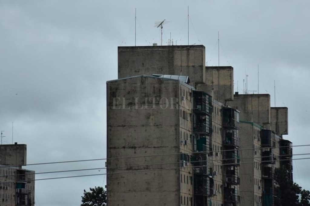 La tormenta hizo estragos en barrio El Pozo -  -