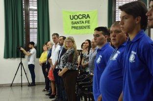 """""""Sueño cumplido"""": egresaron 43 trabajadores de la construcción de Santa Fe  - Balagué felicitó a los egresados y les pregonó: """"a partir de ahora tienen nuevas herramientas para afrontar la realidad y la vida"""". -"""