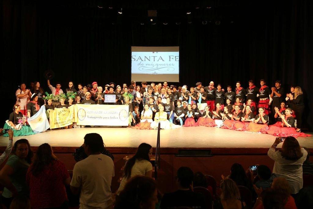 El espectáculo desplegó a más de 200 bailarines en el escenario.  <strong>Foto:</strong> Gentileza producción