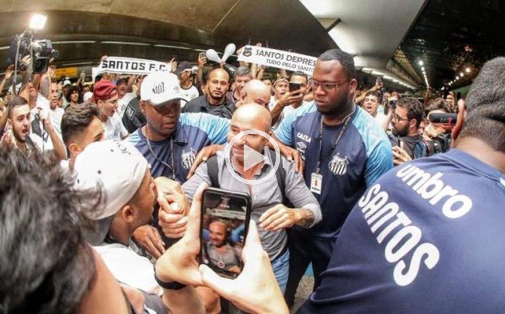 Furor en Brasil ante la llegada de Sampaoli para dirigir al Santos