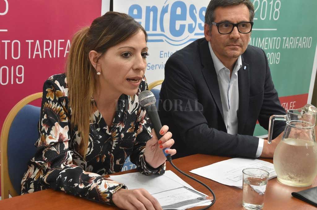 La titular del Enress, Anahí Rodríguez, sostuvo que la recomendación del regulador (que no aceptó el pedido de Aguas) se apoyó en los pedidos de los usuarios. <strong>Foto:</strong> Luis Cetraro