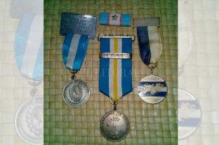 Le robaron medallas de la Guerra de Malvinas y quiere recuperarlas - Las medallas que le robaron al veterano Morgan -