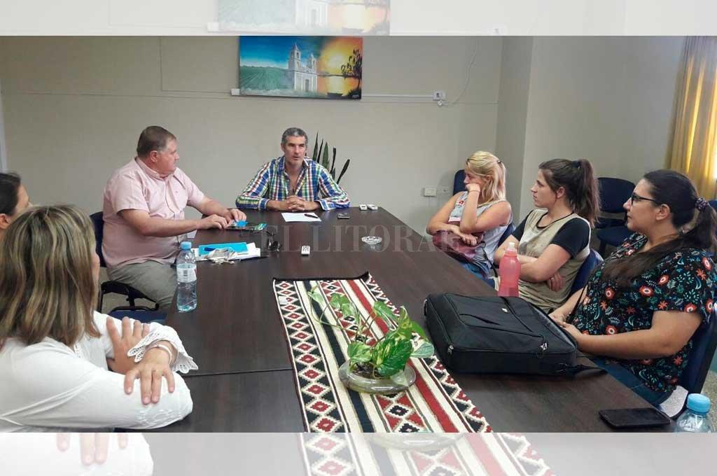 IGUALES. Hoy la comisión comunal de la localidad funciona con la misma cantidad de mujeres y hombres. <strong>Foto:</strong> Gentileza
