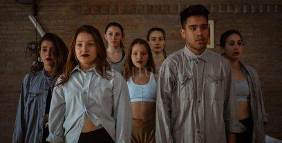 """Ciclos La Marta despide el año - """"Translúcido"""" es una obra en proceso dirigida por el joven bailarín y coreógrafo Nicolás Bordón. -"""